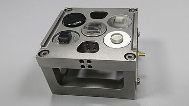 Steel specimen holder for 5 small specimen inserts for the nanoindenter